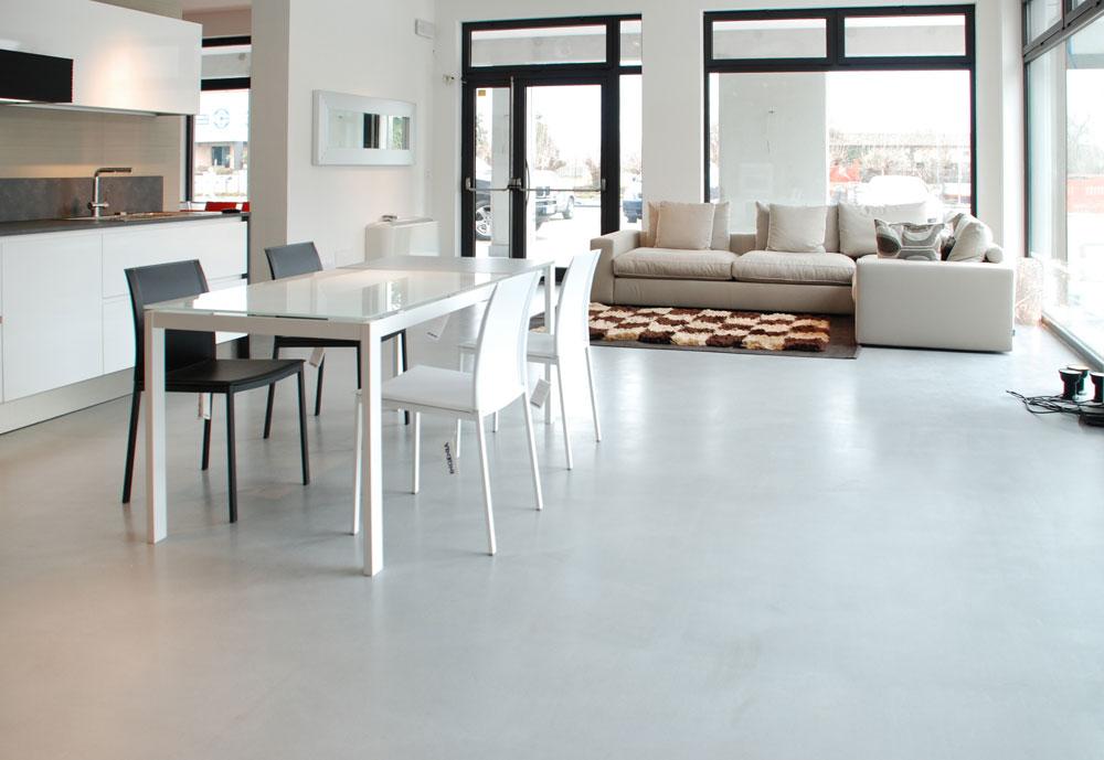ambiente mit venezianischem steinboden. Black Bedroom Furniture Sets. Home Design Ideas